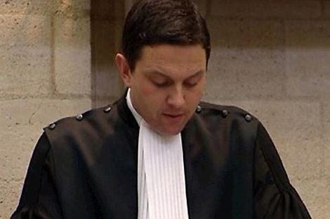 Volkskrant: Van Laarhoven doet definitief aangifte tegen officier wegens smaad